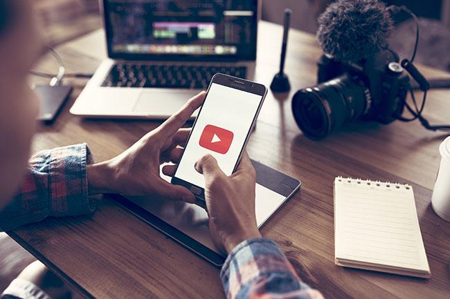Cómo gestionar YouTube en el contact center